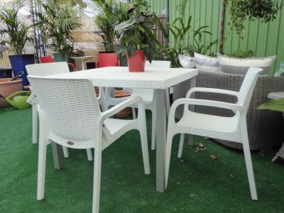 OutdoorTables-paradiseplants